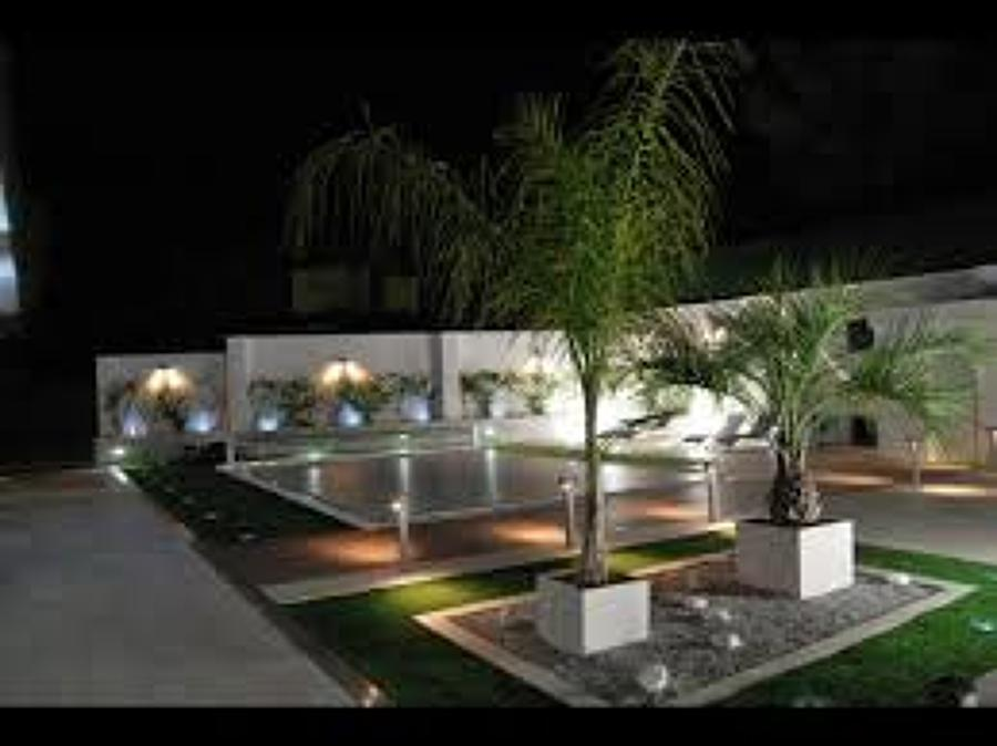 Instala o de lumin rias decorativas em it ideias for Luminarias para piscinas