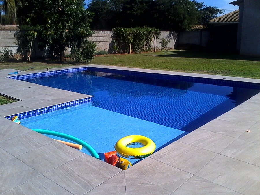 Foto piscina em concreto de summer pool 1336562 for Concreto piscina