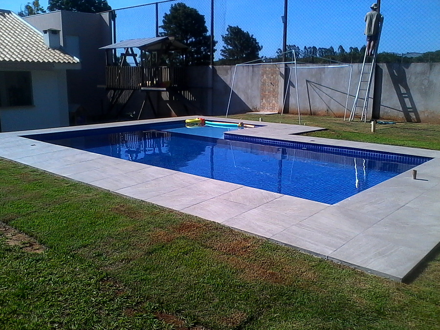 Foto piscina em concreto de summer pool 1336563 for Concreto piscina