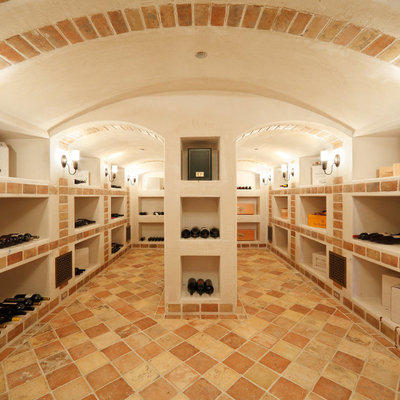 climate-controlled-wine-cellar-must-any-luxury-estate-1024x682