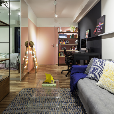 Sala de Estar Integrada com Home - Office Moderna e Contemporânea