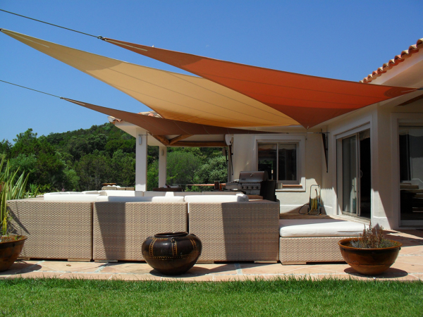 Foto toldo vela de kika elias photo designer 975624 habitissimo for Terrasse couverte tuile